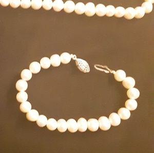 Pearl (matching) bracelet